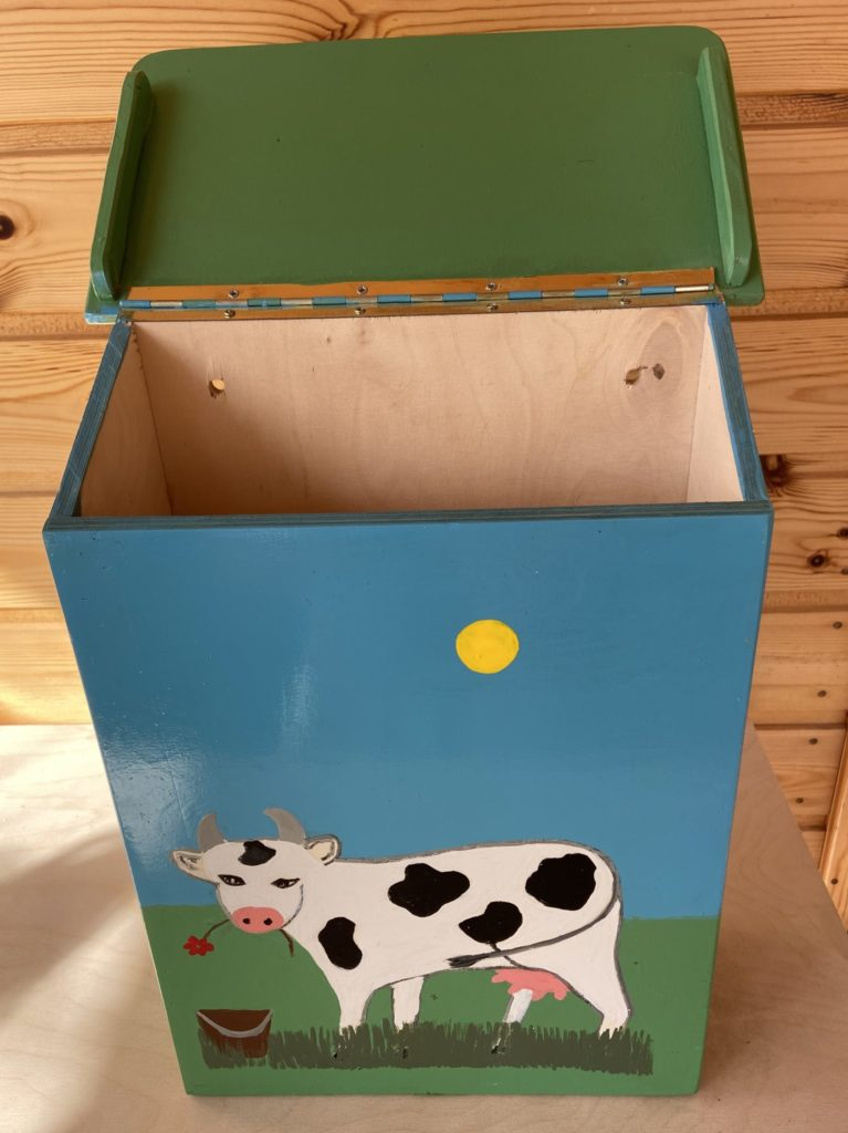 lehmäpostilaatikko